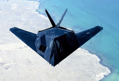 Avion furtif de l'US Air Force : F-117 Nighthawk